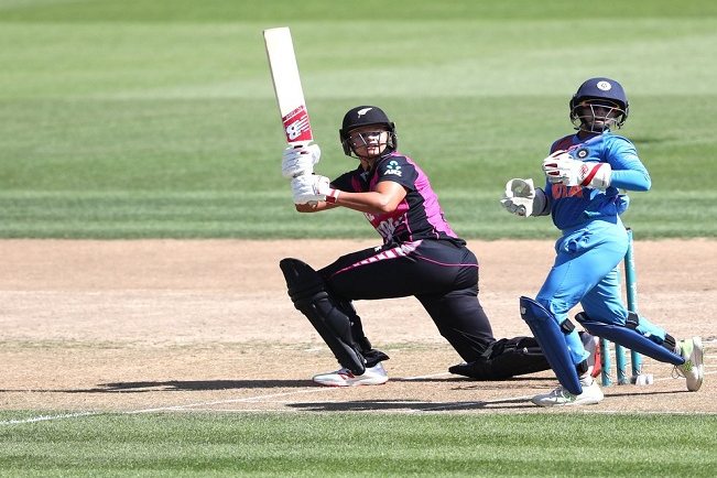 All-round Devine help White Ferns' take the series 3-0