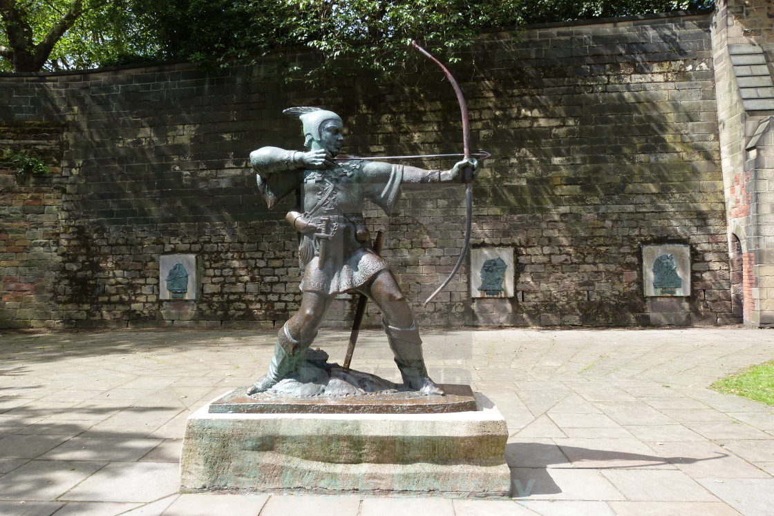 Statue of Robin Hood Nottingham